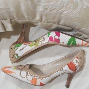 Ellen Tracy Multi Heels